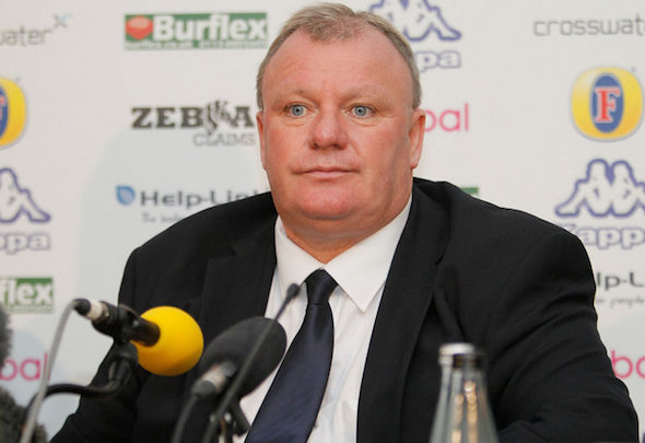 Steve Evans is hoping to sign a new player for Leeds by next week
