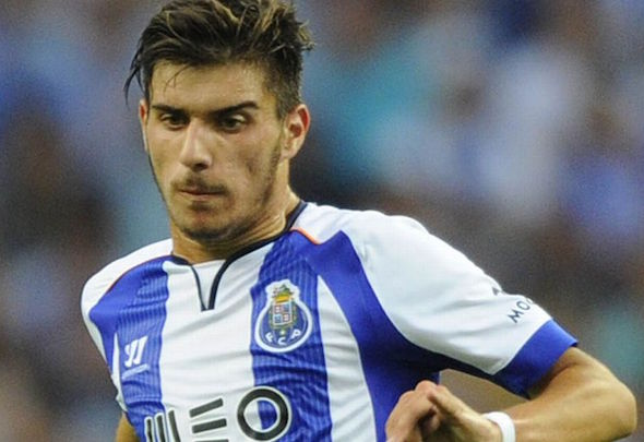 Portugese midfielder Ruben Neves is on the radar of Manchester United and Arsenal
