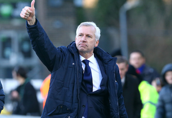 Alan Pardew is targeting a new striker in the January transfer window