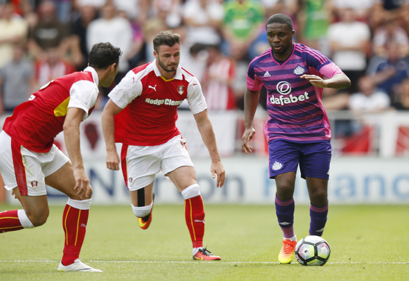 Britain Football Soccer - Rotherham United v Sunderland - Pre Season Friendly - AESSEAL New York Stadium - 23/7/16 Sunderland's Charles N'Zogbia in action Action Images via Reuters / Paul Childs Livepic