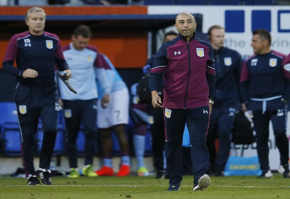 Britain Football Soccer - Luton Town v Aston Villa - EFL Cup First Round - Kenilworth Road - 10/8/16 Aston Villa manager Roberto Di Matteo Mandatory Credit: Action Images / Andrew Couldridge Livepic
