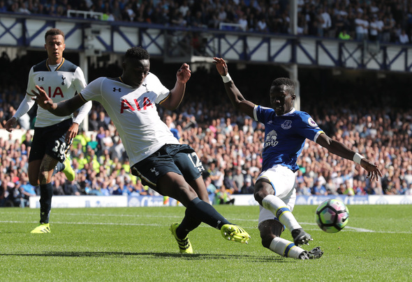 "Britain Football Soccer - Everton v Tottenham Hotspur - Premier League - Goodison Park - 13/8/16 Everton's Idrissa Gueye in action with Tottenham's Victor Wanyama Reuters / Eddie Keogh Livepic EDITORIAL USE ONLY. No use with unauthorized audio, video, data, fixture lists, club/league logos or ""live"" services. Online in-match use limited to 45 images, no video emulation. No use in betting, games or single club/league/player publications.  Please contact your account representative for further details."