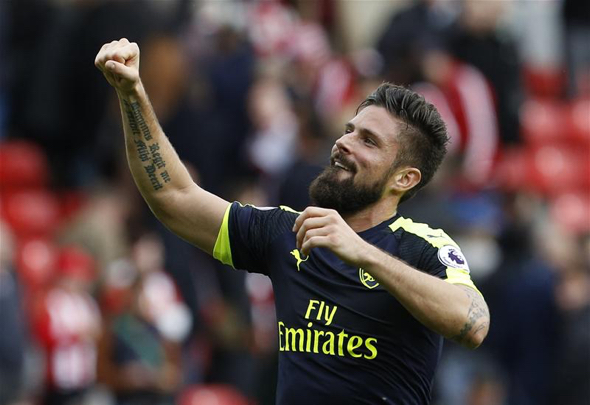 Giroud's 1st Arsenal goals of season add to Sunderland woes