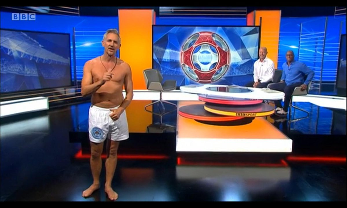 Gary Lineker in pants live on Match of the Day