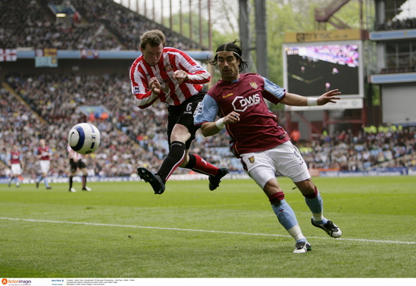 Football - Aston Villa v Sunderland FA Barclays Premiership - Villa Park - 05/06 - 7/5/06 Sunderland's Steven Caldwell and Aston Villa's Juan Pablo Angel Mandatory Credit: Action Images / Henry Browne  NO ONLINE/INTERNET USE WITHOUT A LICENCE FROM THE FOOTBALL DATA CO LTD. FOR LICENCE ENQUIRIES PLEASE TELEPHONE +44 207 298 1656.