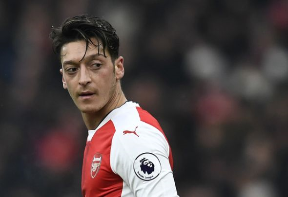 Arsenal's 'world-class' Mesut Ozil backed by Bayern Munich's Mats Hummels