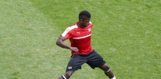 Denis Zakaria of BSC Young Boys warms up ahead of a match