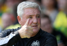 Newcastle United manager Steve Bruce puts up his thumb