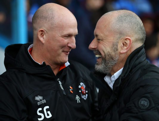 Blackpool manager and Reading boss Mark Bowen laugh