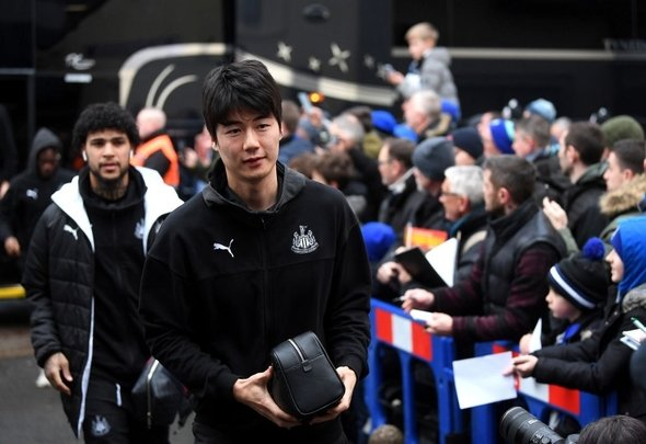 Ki Sung-yeung arrives with Newcastle United